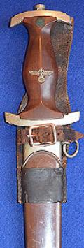 SA DAGGER 1933 MODEL BY HAMMESFAHR WITH RARE UNIQUE BROWN LEATHER FROG HANGER.